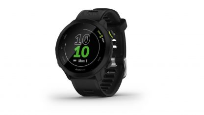 Zobrazení hodin na chytrých hodinkách Garmin Forerunner 55