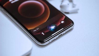 Asistentka Siri na iPhonu