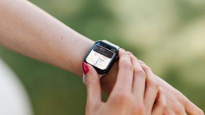 Navigace přes aplikaci Mapy na Apple Watch