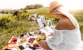 Piknik s knihou a dobrým jídlem