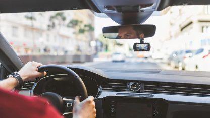 Interiér vozidla s kamerou do auta